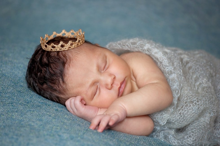newborn photographer Edinburgh little princess